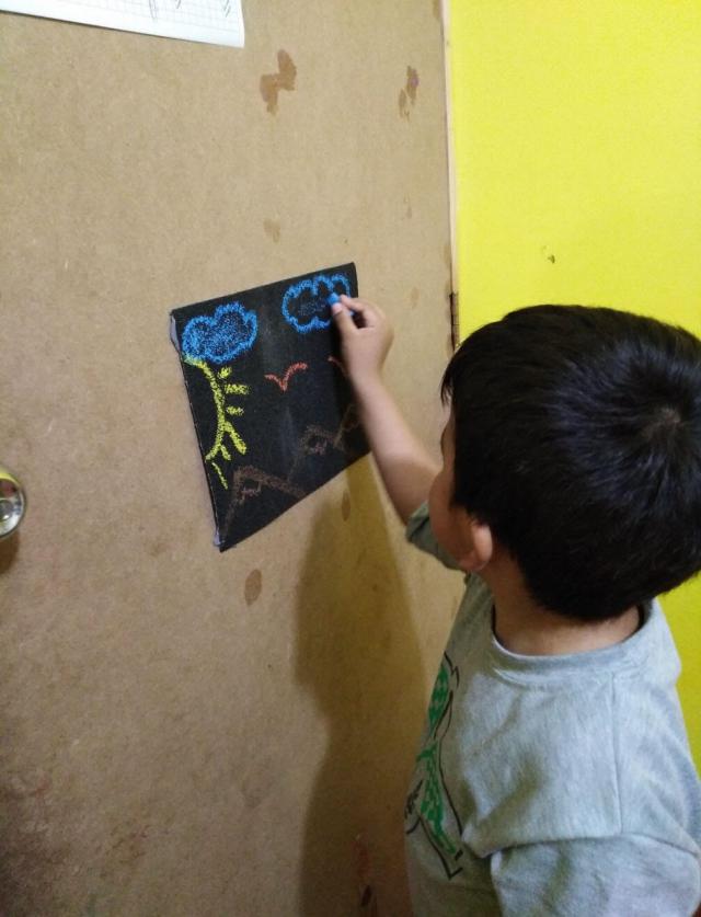 Terapia ocupacional infantil - niño con autismo
